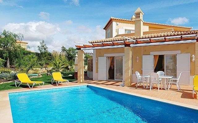 3 bedroom Villa in Carvoeiro, Algarve, Portugal : ref 2022403 - Image 1 - Estombar - rentals
