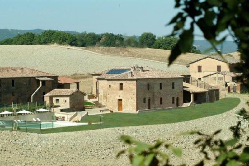 6 bedroom Villa in Siena, Tuscany, Italy : ref 2022504 - Image 1 - Buonconvento - rentals