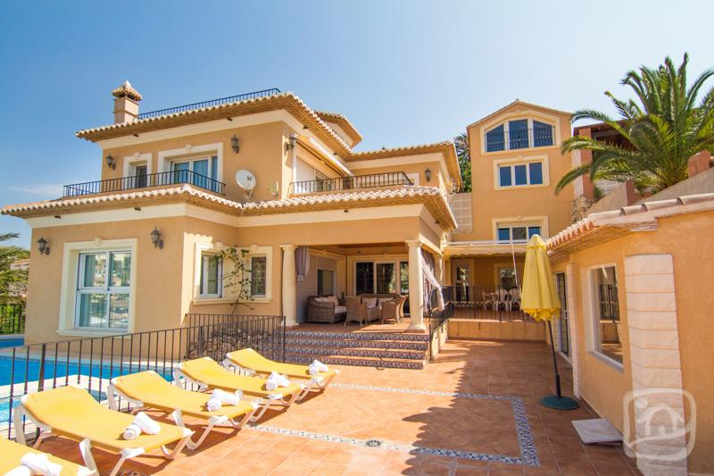 5 bedroom Villa in Calpe, Costa Blanca, Spain : ref 2031772 - Image 1 - Calpe - rentals