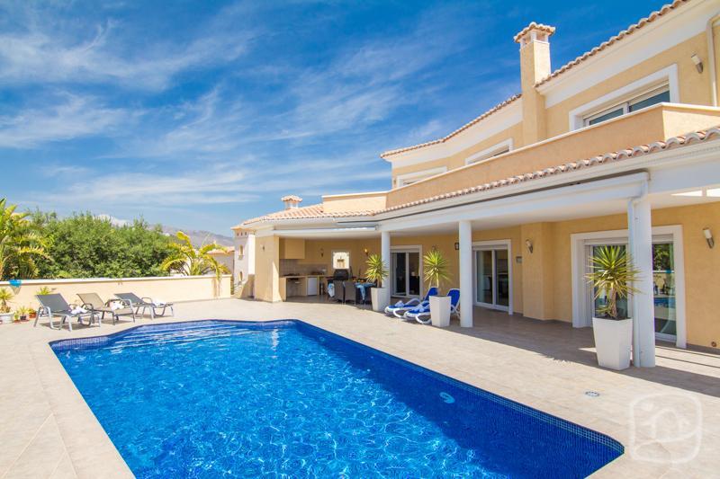 3 bedroom Villa in Calpe, Costa Blanca, Spain : ref 2031791 - Image 1 - Calpe - rentals