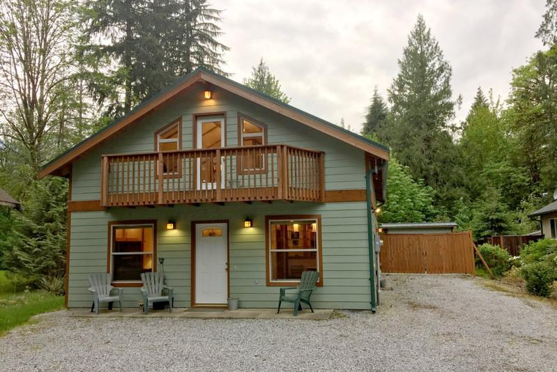 59MBR - 59MBR Pet Friendly Cabin with a Private Hot Tub - Glacier - rentals