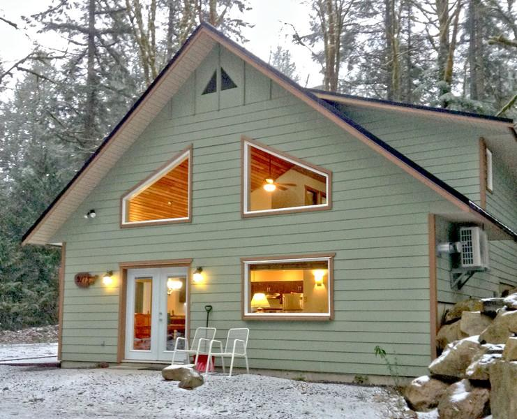 02MBH - 02MBH Cabin near Mt. Baker with Hot Tub, A/C, Satellite TV - Glacier - rentals