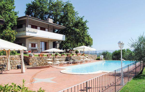 6 bedroom Villa in Sinalunga, Tuscany, Siena, Italy : ref 2038719 - Image 1 - Sinalunga - rentals