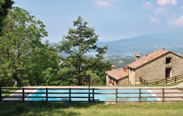 10 bedroom Villa in Sansepolcro, Tuscany, Arezzo / Cortona And Surroundi, Italy - Image 1 - Sansepolcro - rentals