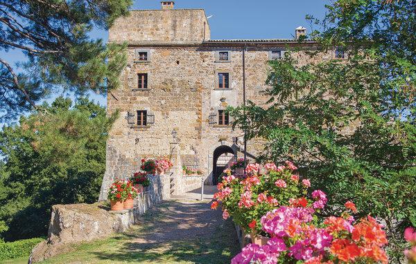12 bedroom Villa in Bagnoregio, Latium lazio, Latium Countryside, Italy : ref 2040697 - Image 1 - Bagnoregio - rentals