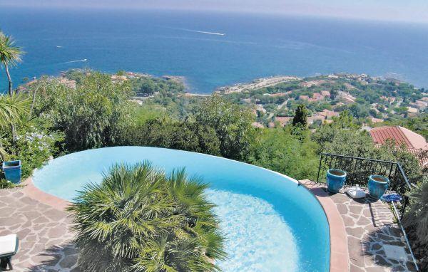 3 bedroom Villa in Les Issambres, Cote D Azur, Var, France : ref 2042580 - Image 1 - Les Issambres - rentals