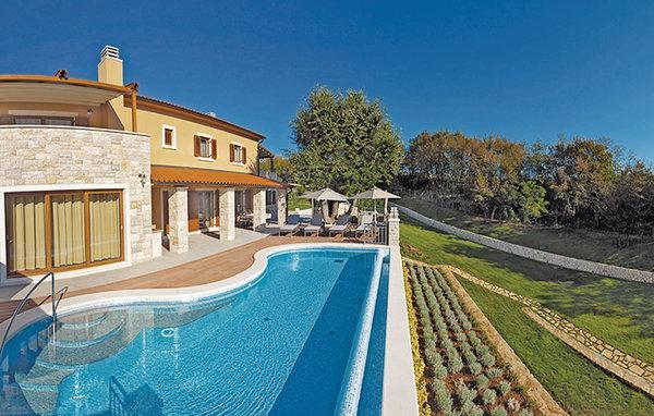 4 bedroom Villa in Labin, Istria, Croatia : ref 2042789 - Image 1 - Labin - rentals