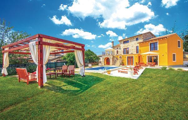 5 bedroom Villa in Svetvincenat, Istria, Croatia : ref 2043657 - Image 1 - Bibici - rentals