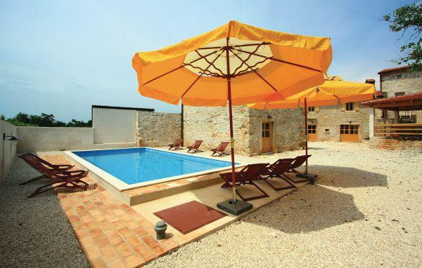 9 bedroom Villa in Barban, Istria, Croatia : ref 2044573 - Image 1 - Orihi - rentals