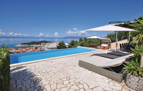 7 bedroom Villa in Makarska, Central Dalmatia, Croatia : ref 2044907 - Image 1 - Bratus - rentals