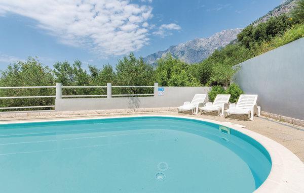 9 bedroom Villa in Makarska, Central Dalmatia, Croatia : ref 2045053 - Image 1 - Bratus - rentals