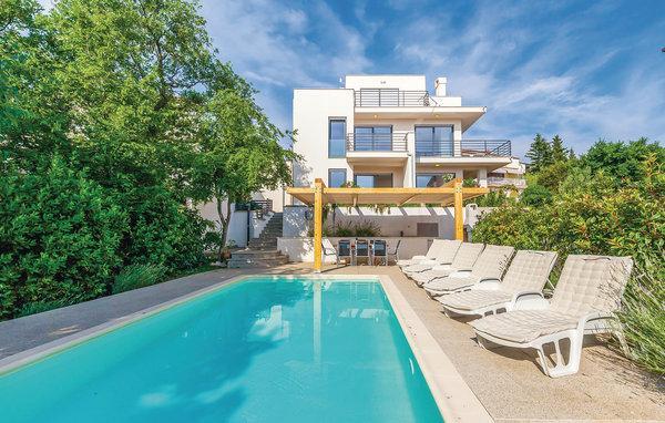 4 bedroom Villa in Crikvenica, Kvarner, Croatia : ref 2045056 - Image 1 - Dramalj - rentals