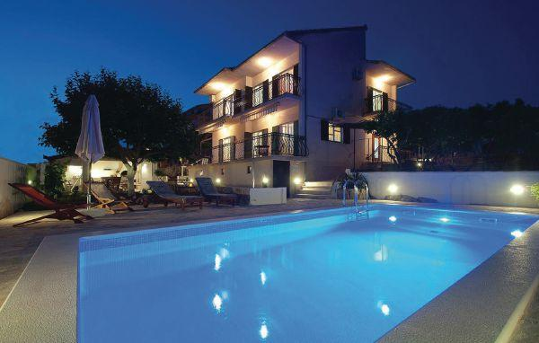 4 bedroom Villa in Ciovo, Central Dalmatia, Croatia : ref 2045881 - Image 1 - Okrug Gornji - rentals