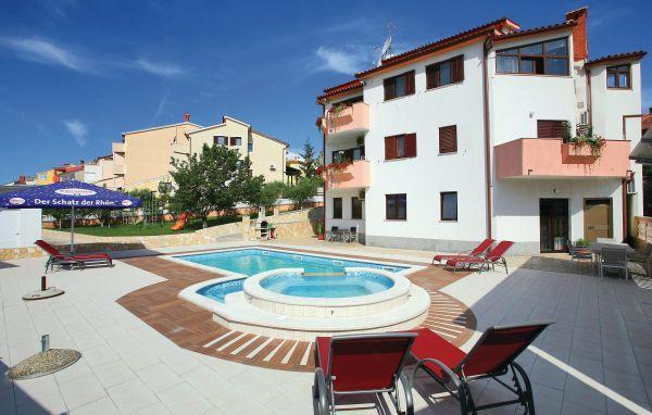 10 bedroom Villa in Pula, Istria, Croatia : ref 2045896 - Image 1 - Pjescana Uvala - rentals