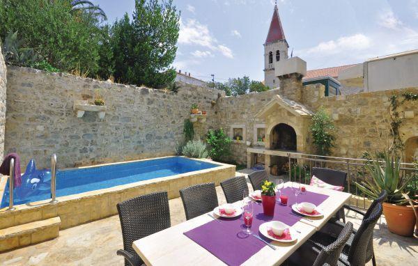 5 bedroom Villa in Makarska, Central Dalmatia, Croatia : ref 2046003 - Image 1 - Makarska - rentals