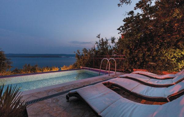 5 bedroom Villa in Omis, Central Dalmatia, Croatia : ref 2046225 - Image 1 - Lokva Rogoznica - rentals