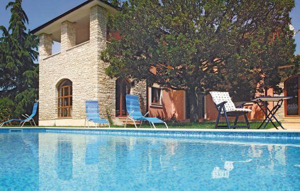 5 bedroom Villa in Fazana, Istria, Croatia : ref 2046414 - Image 1 - Peroj - rentals