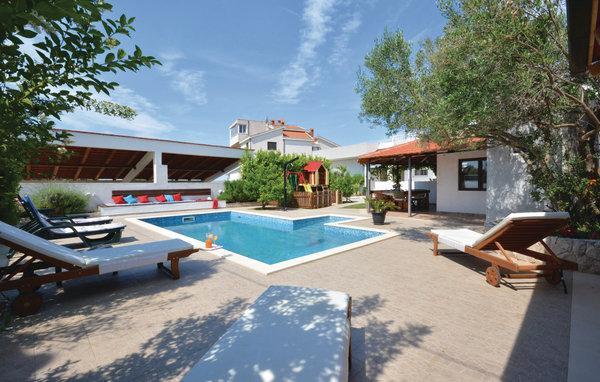 5 bedroom Villa in Ciovo, Central Dalmatia, Croatia : ref 2046621 - Image 1 - Okrug Gornji - rentals
