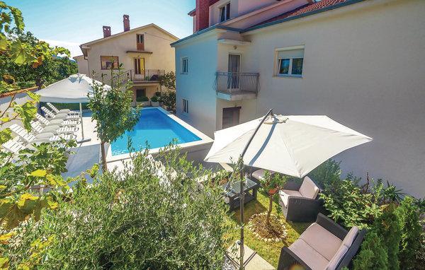 8 bedroom Villa in Crikvenica, Kvarner, Croatia : ref 2047134 - Image 1 - Crikvenica - rentals