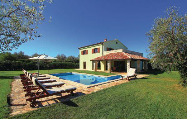 4 bedroom Villa in Fazana, Istria, Croatia : ref 2047156 - Image 1 - Peroj - rentals