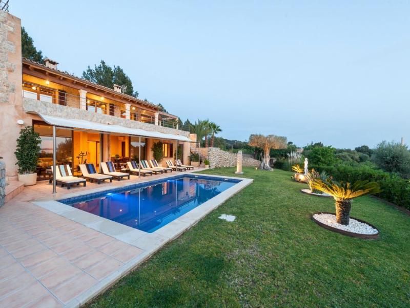 4 bedroom Villa in Alcudia, Mallorca : ref 2060467 - Image 1 - Puerto de Alcudia - rentals