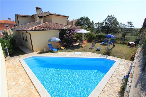 5 bedroom Villa in Liznjan, Istria, Croatia : ref 2063198 - Image 1 - Liznjan - rentals