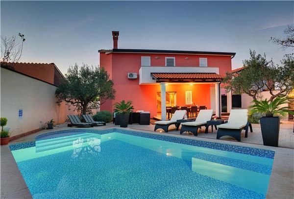 6 bedroom Villa in Rovinj, Istria, Croatia : ref 2066142 - Image 1 - Rovinj - rentals