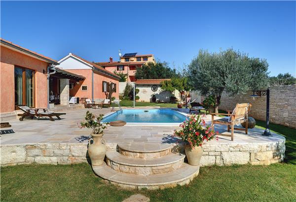 3 bedroom Villa in Fazana, Istria, Croatia : ref 2067322 - Image 1 - Fazana - rentals