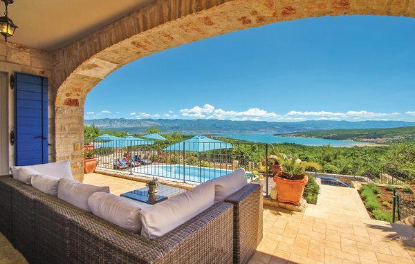5 bedroom Villa in Krk, Kvarner, Croatia : ref 2087907 - Image 1 - Cizici - rentals