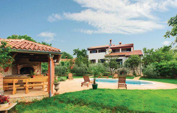 8 bedroom Villa in Liznjan, Istria, Croatia : ref 2088212 - Image 1 - Liznjan - rentals