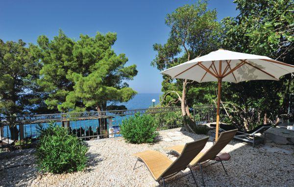 5 bedroom Villa in Makarska, Central Dalmatia, Croatia : ref 2088248 - Image 1 - Gradac - rentals