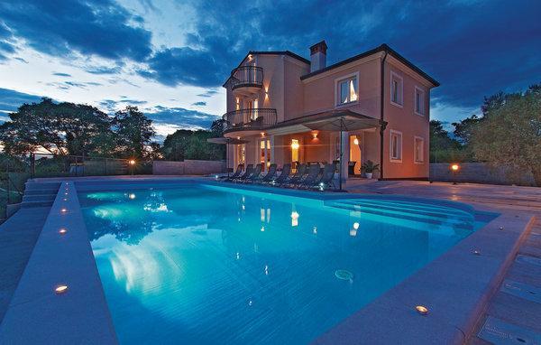 5 bedroom Villa in Rovinj, Istria, Croatia : ref 2088284 - Image 1 - Rovinjsko Selo - rentals