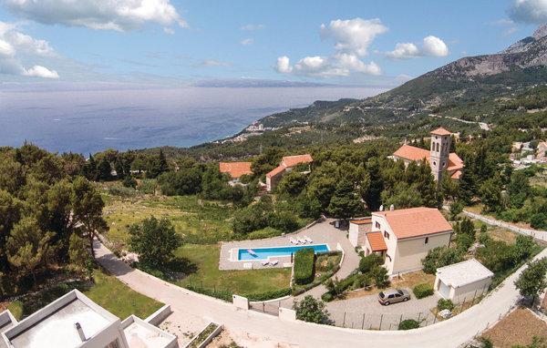 5 bedroom Villa in Makarska, Central Dalmatia, Croatia : ref 2089046 - Image 1 - Tucepi - rentals