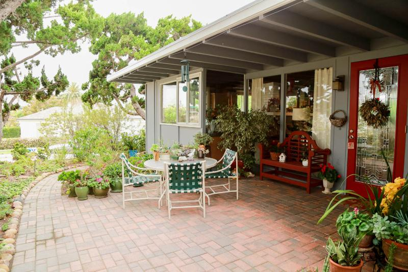 Outdoor patio - La Jolla Charmer at WindanSea Beach - La Jolla - rentals