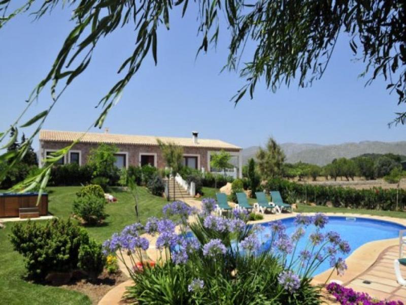 4 bedroom Villa in Puerto Pollensa, Mallorca, Mallorca : ref 2092801 - Image 1 - Port de Pollenca - rentals