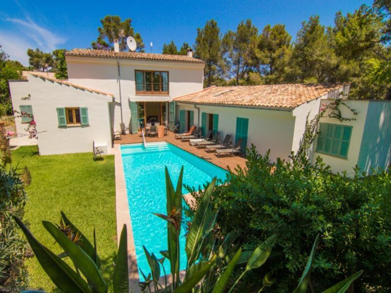 4 bedroom Villa in Puerto Pollenca, Mallorca : ref 2092966 - Image 1 - Port de Pollenca - rentals