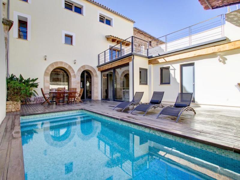 4 bedroom Villa in Pollenca, Mallorca : ref 2092991 - Image 1 - Pollenca - rentals