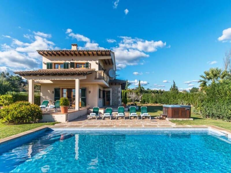 4 bedroom Villa in Pollenca, Mallorca : ref 2093349 - Image 1 - Alcudia - rentals