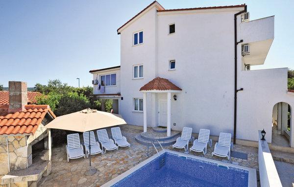 6 bedroom Villa in Rogoznica, Northern Dalmatia, Croatia : ref 2095234 - Image 1 - Cove Stivasnica (Razanj) - rentals