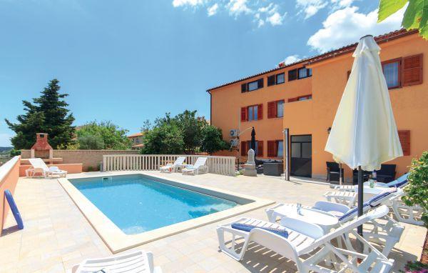 11 bedroom Villa in Pula, Istria, Croatia : ref 2095433 - Image 1 - Vinkuran - rentals