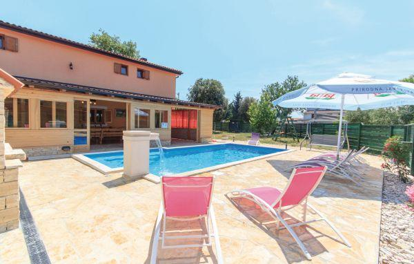 6 bedroom Villa in Barbariga, Istria, Croatia : ref 2095485 - Image 1 - Barbariga - rentals