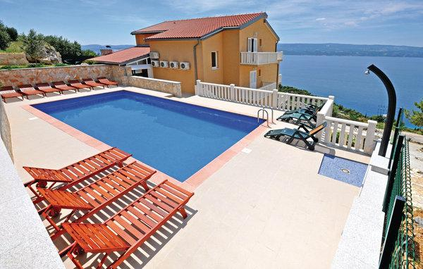 7 bedroom Villa in Omis, Central Dalmatia, Croatia : ref 2095486 - Image 1 - Stanici - rentals
