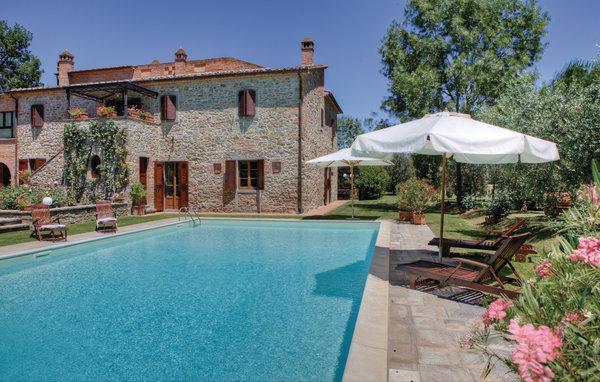 6 bedroom Villa in Cortona, Tuscany, Italy : ref 2095907 - Image 1 - Cortona - rentals