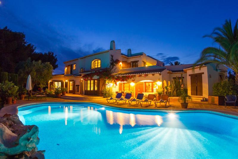 4 bedroom Villa in Moraira, Costa Blanca, Spain : ref 2096072 - Image 1 - La Llobella - rentals