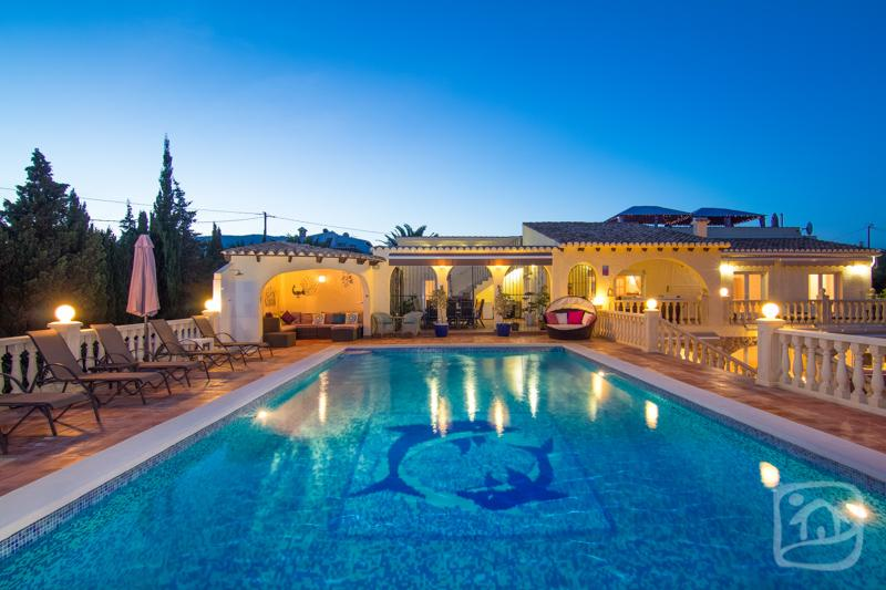 7 bedroom Villa in Calpe, Costa Blanca, Spain : ref 2096086 - Image 1 - Calpe - rentals