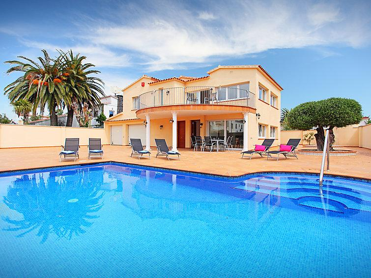 5 bedroom Villa in Empuriabrava, Costa Brava, Spain : ref 2097010 - Image 1 - Empuriabrava - rentals