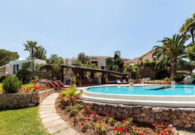 6 bedroom Villa in Pollenca, Mallorca : ref 2126218 - Image 1 - Pollenca - rentals