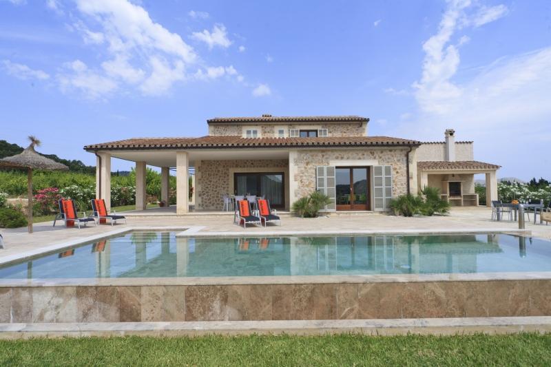 3 bedroom Villa in Eu Madrava, Pollensa, Mallorca : ref 2132511 - Image 1 - Pollenca - rentals