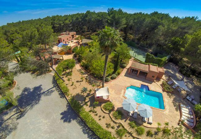 4 bedroom Villa in Santa Eulalia Del Rio, Ibiza, Ibiza : ref 2132855 - Image 1 - Santa Eulalia del Rio - rentals