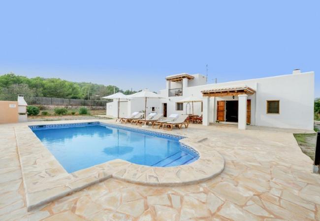 3 bedroom Villa in Santa Eulalia Del Rio, Baleares, Ibiza : ref 2132860 - Image 1 - Cala Llonga - rentals